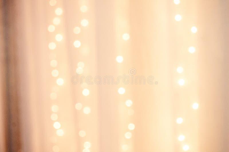 Rideau décoratif sur la table de jeune mariée photographie stock