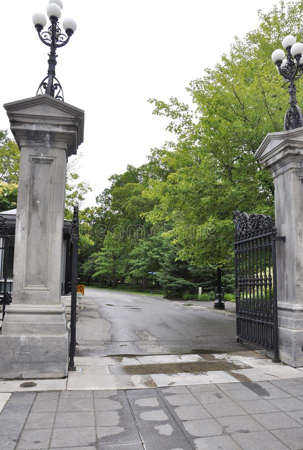 Rideau Hall Domain Entrance Gate van Ottawa in Canada stock foto's