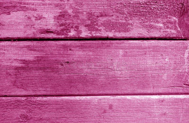 Riden ut trämålad vägg i rosa signal arkivbilder