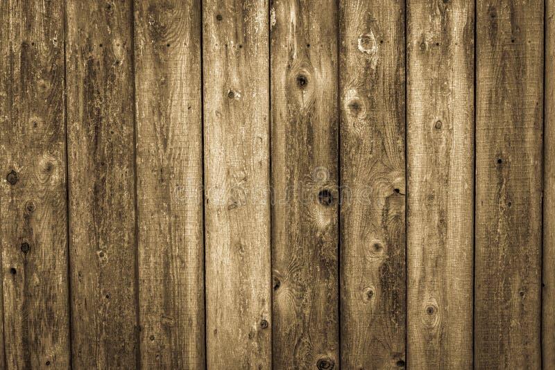 Riden ut wood sidingbakgrund för cederträ arkivbilder