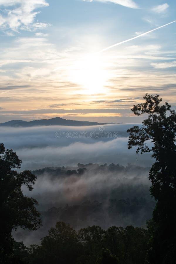 Ridge Mountains bleu en dehors d'Asheville photos stock