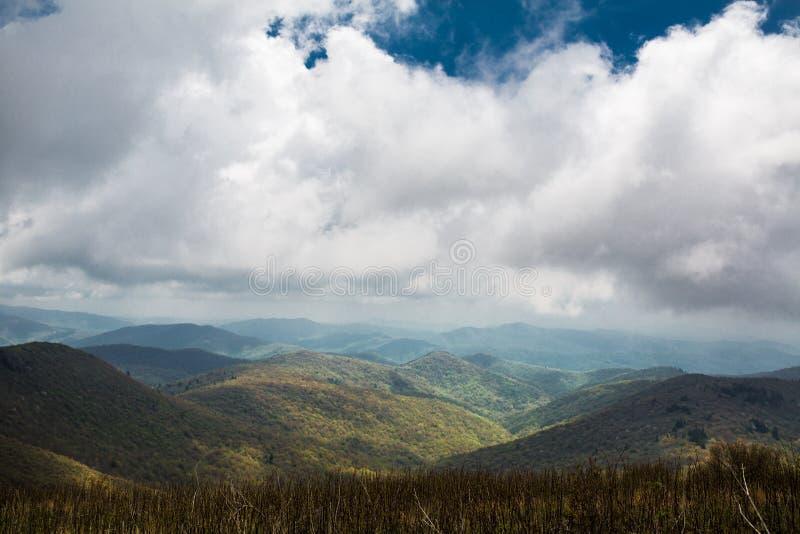 Ridge Mountains blu di rotolamento immagini stock