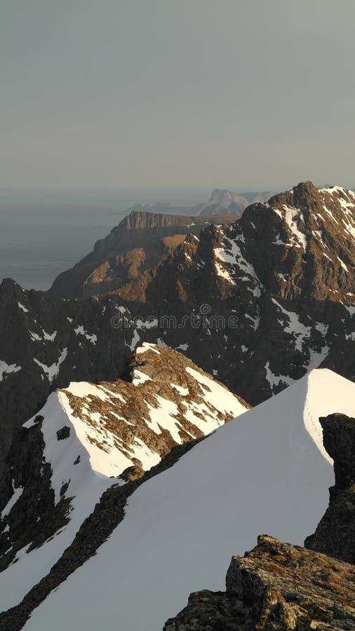 Ridge nevado imagem de stock