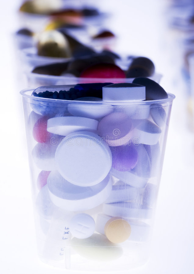 Ridurre in pani & medicine fotografia stock