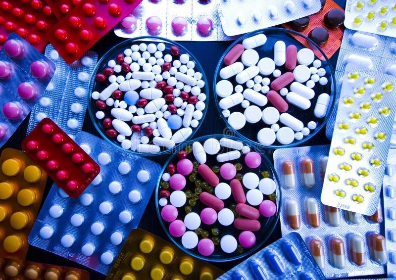 Ridurre in pani & medicine fotografia stock libera da diritti