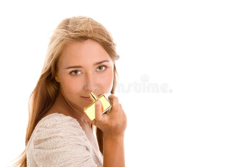 Riechender Duftstoff der Frau stockfotos