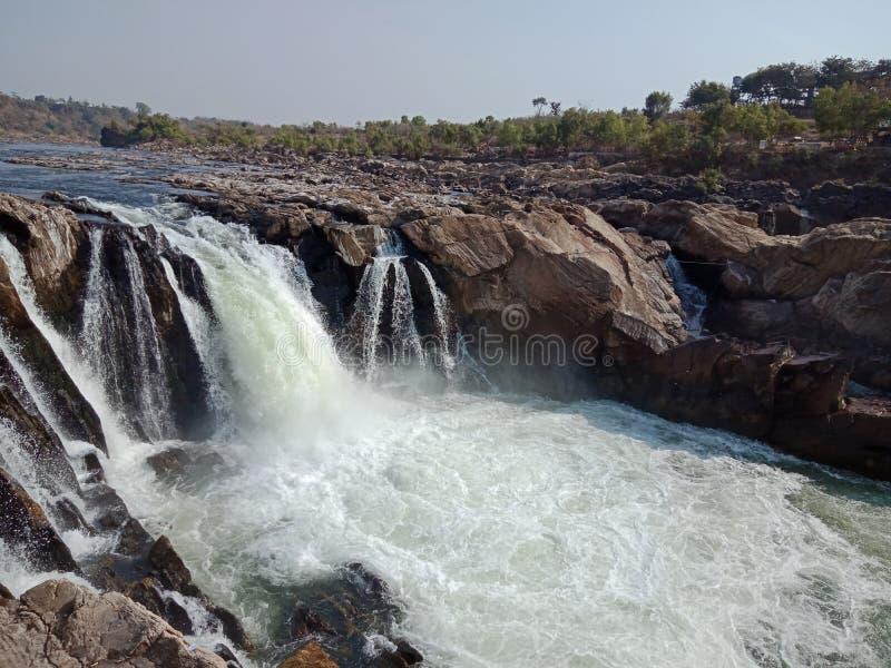 Riegue la caída con agua ahumada, Jabalpur la India imágenes de archivo libres de regalías