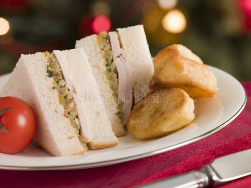 Riempimento di Turchia dell'arrosto e panino della maionese immagini stock