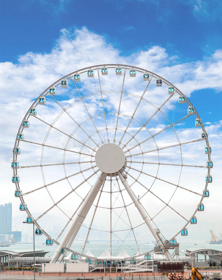 Riese Ferris Wheel in Hong Kong Overlooking Victoria Harbor stockbild