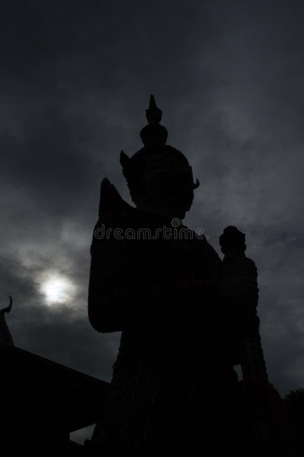 Riese von Wat Arun stockbild