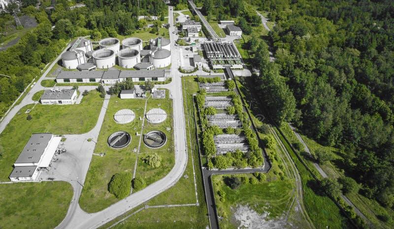 Rieselfeld Statisches Luftfoto, das unten auf das clarifyin schaut stockfotografie