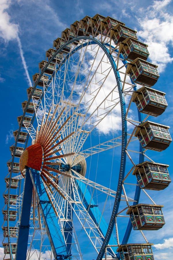 Riesenrad Riesenrad auf dem Oktoberfest in München/Deutschland wi lizenzfreie stockbilder