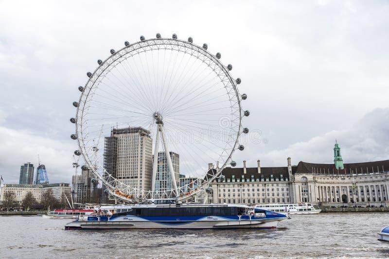 Riesenrad nannte das London-Auge in London, Vereinigtes Königreich lizenzfreie stockfotografie