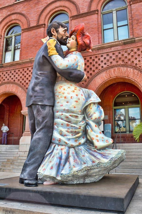 Riesige Ballsaal-Tänzer-Statue stockbild