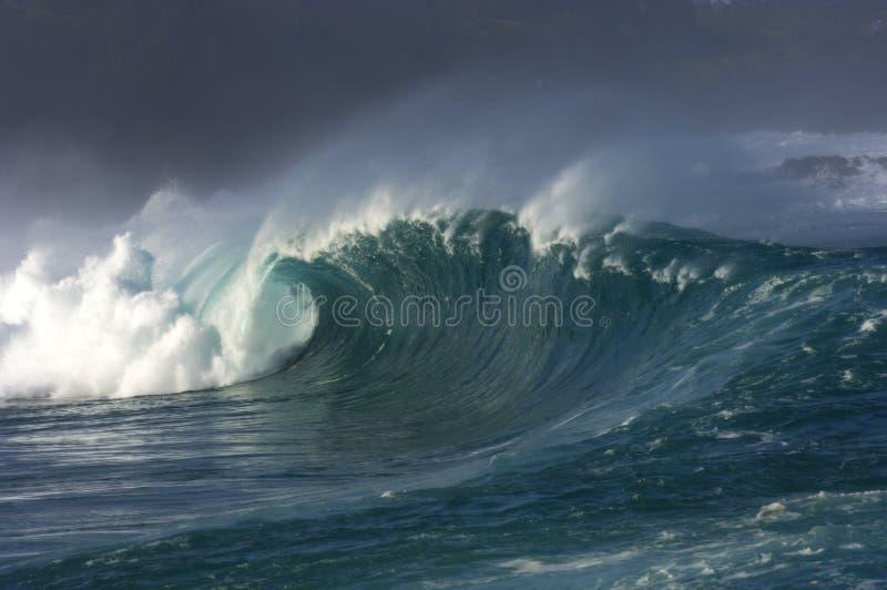Riesige Welle lizenzfreie stockfotos