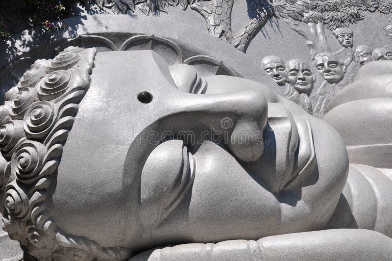 Riesiger Buddha-Kopf stockfotos