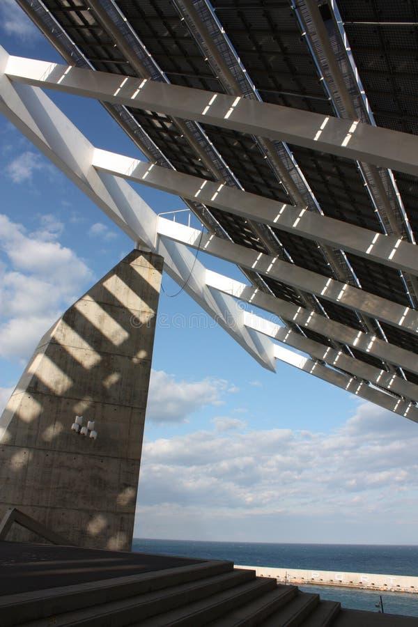 Riesiger Sonnenkollektor lizenzfreies stockbild