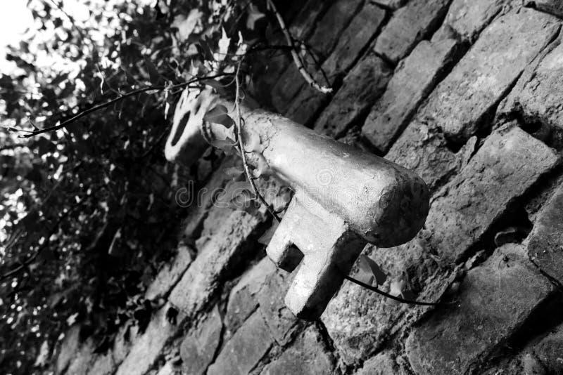 Riesiger Weinlese-Schlüssel lizenzfreie stockbilder