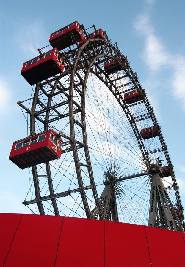 Riesiges Riesenrad innen Wien lizenzfreies stockbild