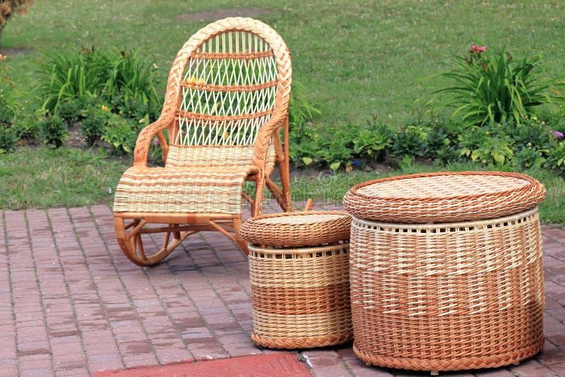 Rieten houten meubilair stock foto