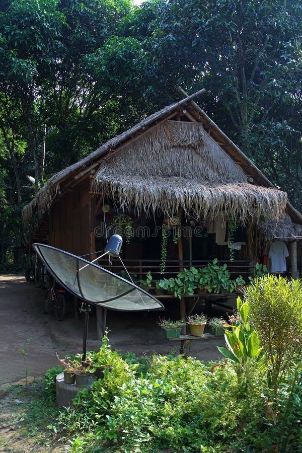 Riethut van de monmensen in de wildernissen van Noordelijk Thailand royalty-vrije stock fotografie