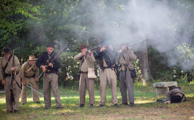 Rievocazione americana di battaglia della guerra civile immagini stock