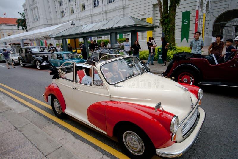 Rifas plataforma de aterrizaje, Singapur - 27 de julio de 2008: Exhibición de Morris del vintage en la demostración de coche del  imagen de archivo