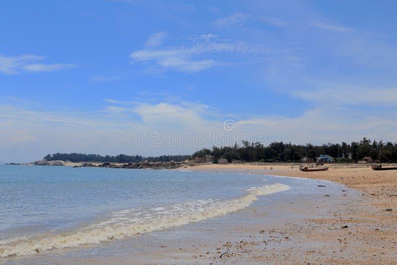 Rifffelsen in der Küste von Meizhou-Insel lizenzfreies stockbild