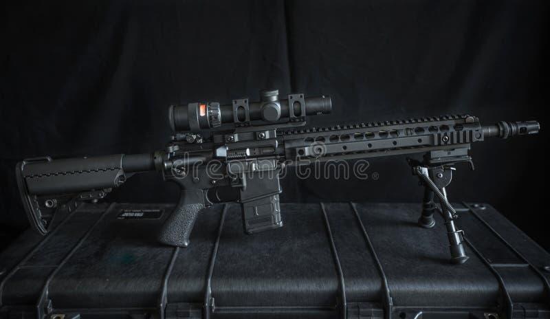 Rifle ar15 de Midlenght imagen de archivo