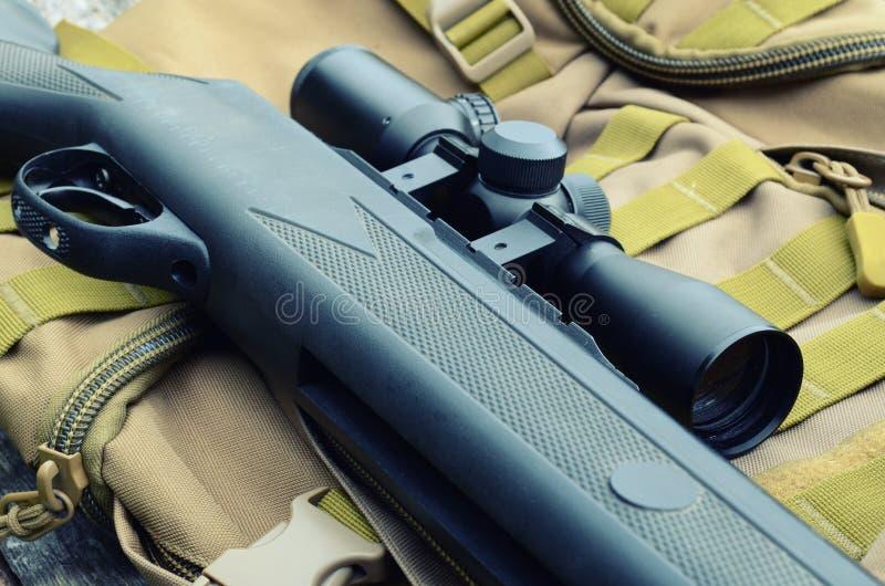 Rifle de ar com vista telescópica imagem de stock royalty free