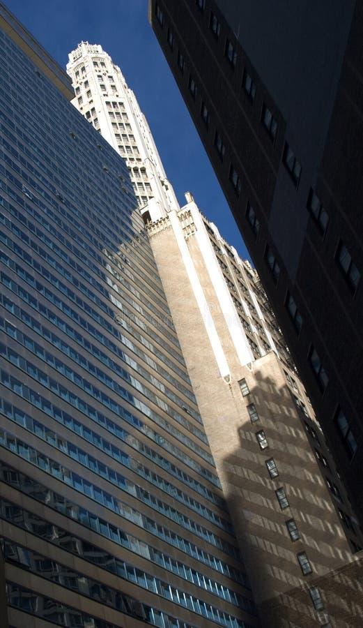 Riflessione del grattacielo immagini stock libere da diritti