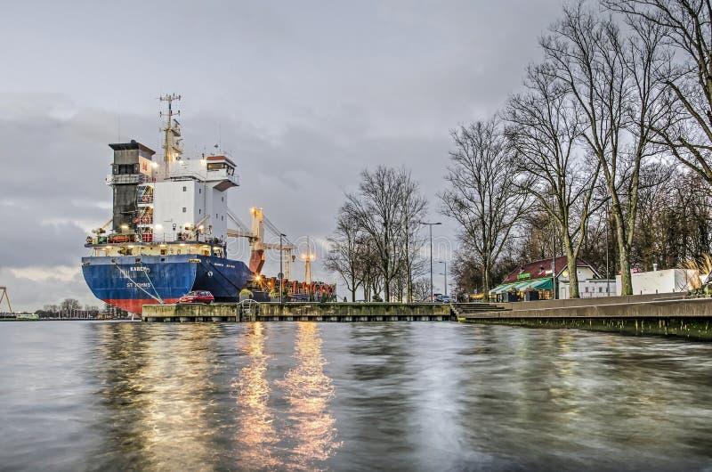 Riflessione del porto di primo mattino fotografie stock