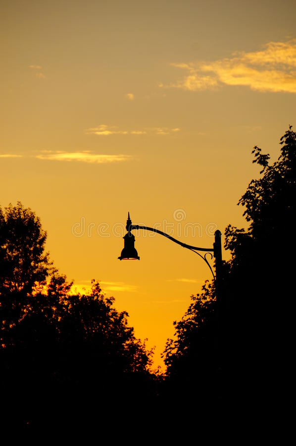 Riflessione di tramonto di caduta fotografia stock libera da diritti