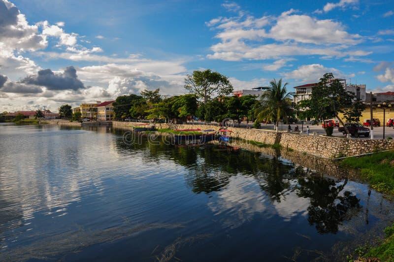Riflessione in Flores, Guatemala fotografia stock