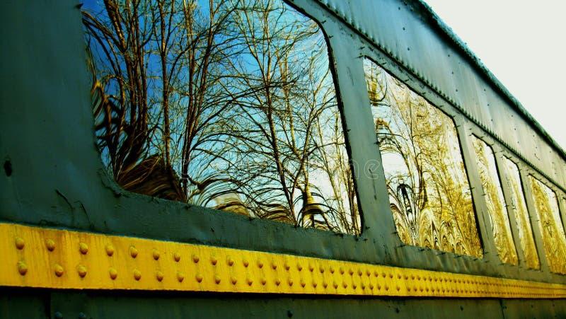 Riflessioni della finestra di Traincar fotografia stock libera da diritti