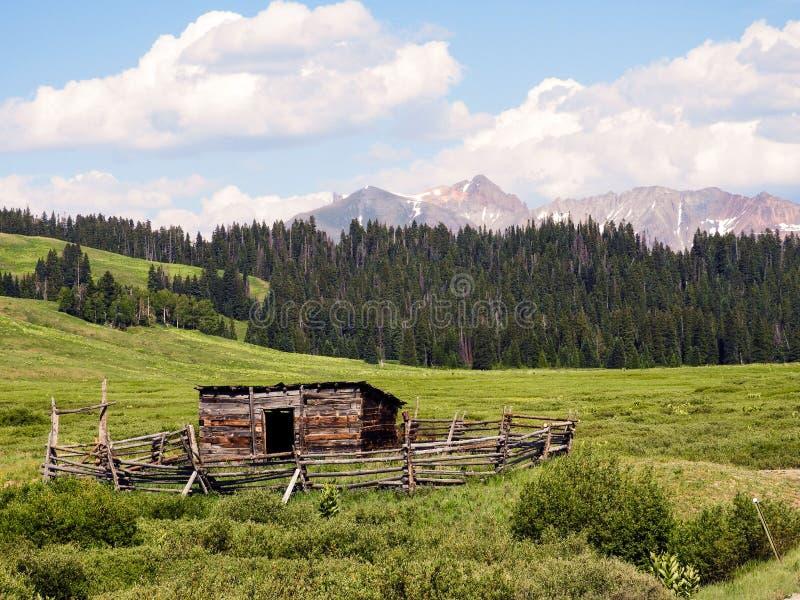 Riflessioni di Colorado il Cimarron fotografia stock