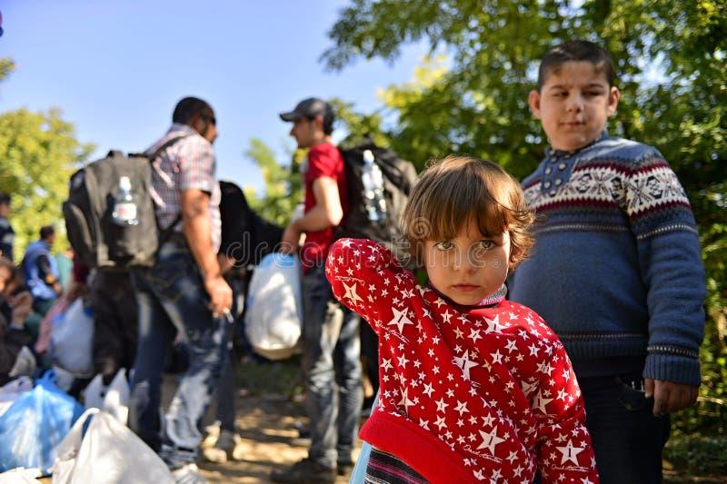 Rifugiati in Babska (serbo - confine di Croatina) fotografie stock libere da diritti