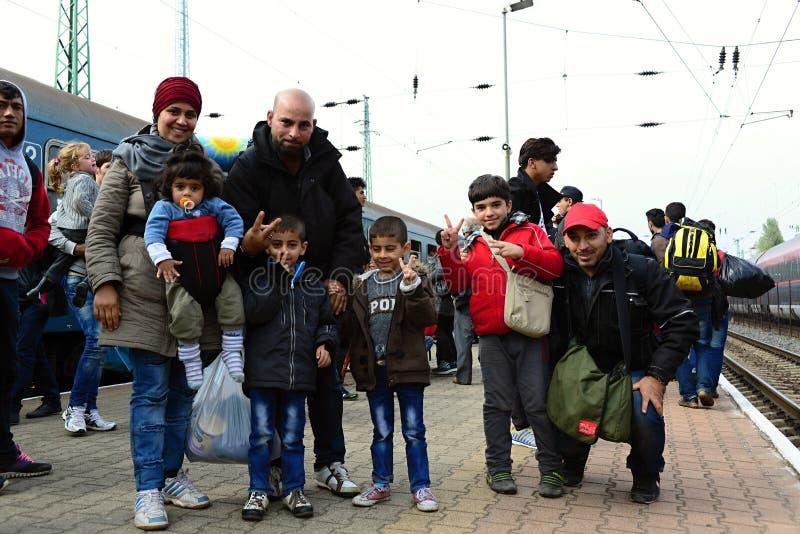 rifugiati che lasciano l'Ungheria fotografia stock