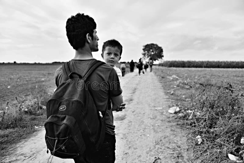 Rifugiati nel Sid (serbo - confine di Croatina) fotografia stock