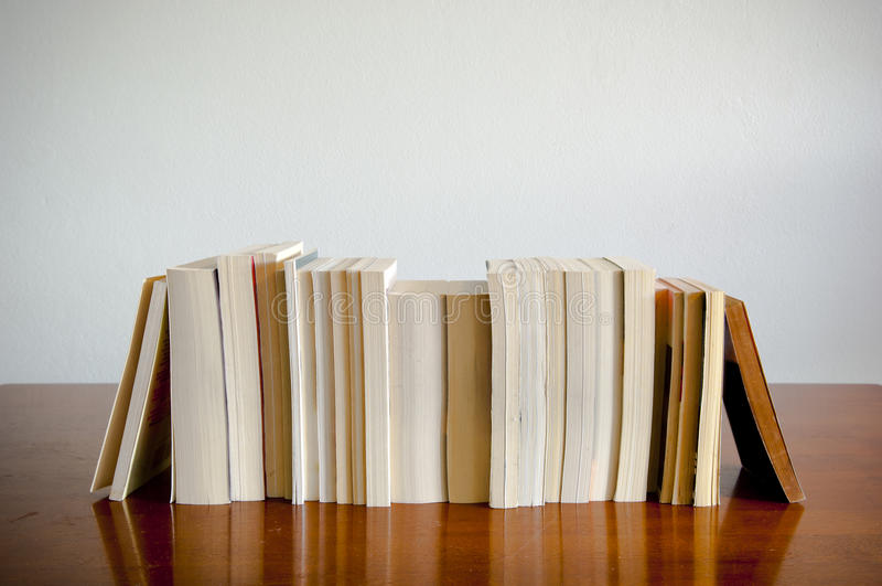 Riga dei libri fotografia stock