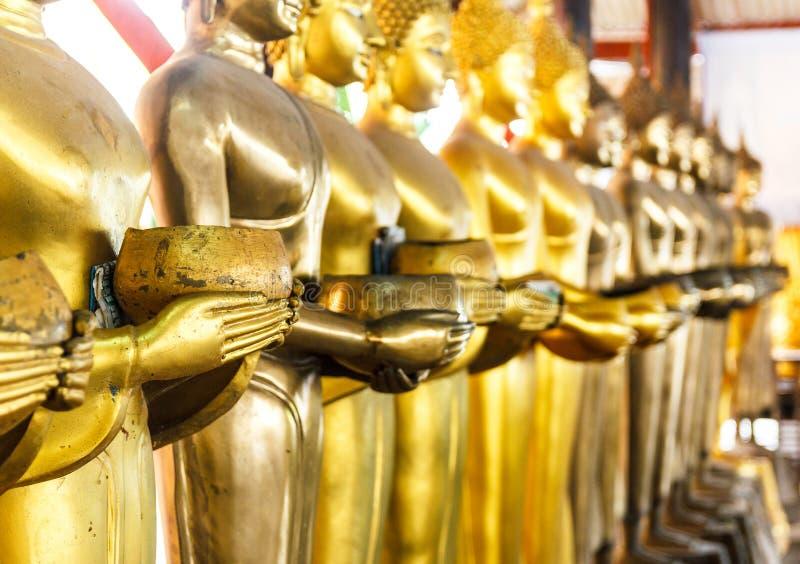 Riga della statua del Buddha immagini stock