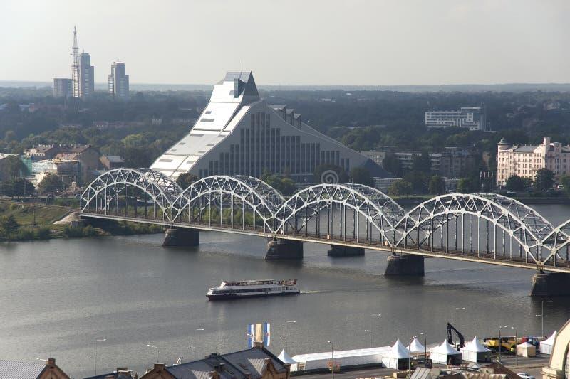 Riga. La vue supérieure sur la bibliothèque nationale image libre de droits