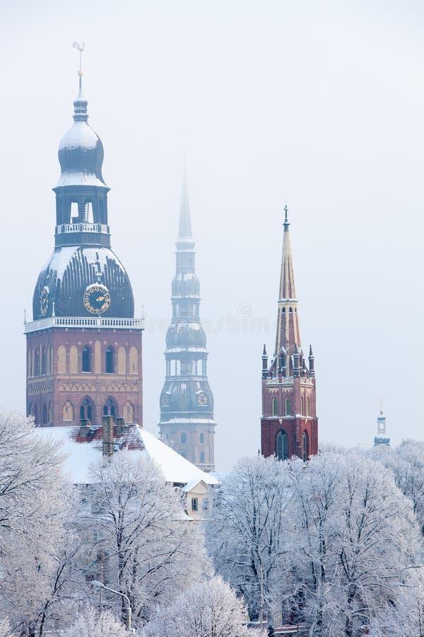 Riga, Latvia Paesaggio urbano di Riga nell'inverno immagine stock libera da diritti