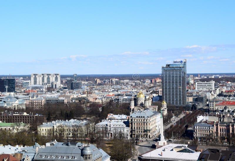 Riga, Letónia, o 27 de março de 2018 A vista da cidade de Riga imagem de stock