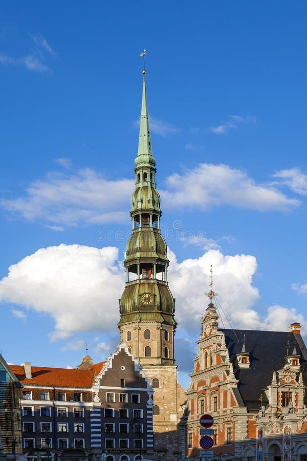 RIGA, LETONIA - 28 DE AGOSTO: La plaza principal el 28 de agosto de 2014 adentro imagen de archivo libre de regalías