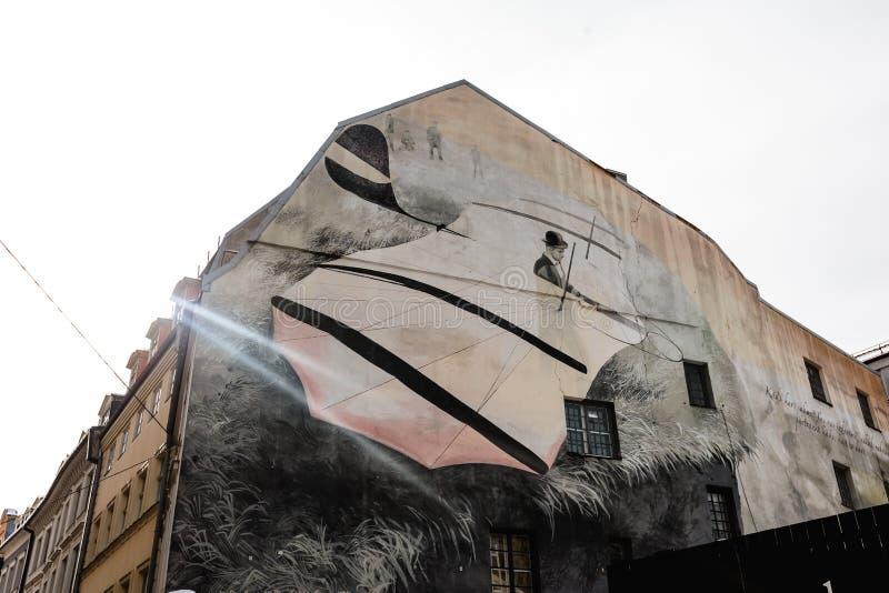 RIGA, LETONIA - 13 DE MARZO DE 2019: Vista del cuadrado de la bóveda El cuadrado de la bóveda es el cuadrado más grande y más vie fotografía de archivo