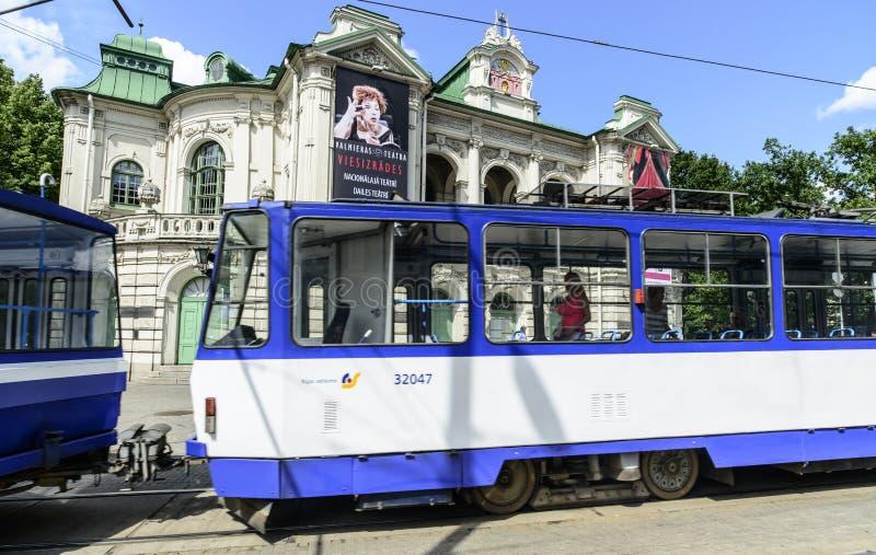 Riga Lettland, Europa, den estonian nationella teatern royaltyfri fotografi