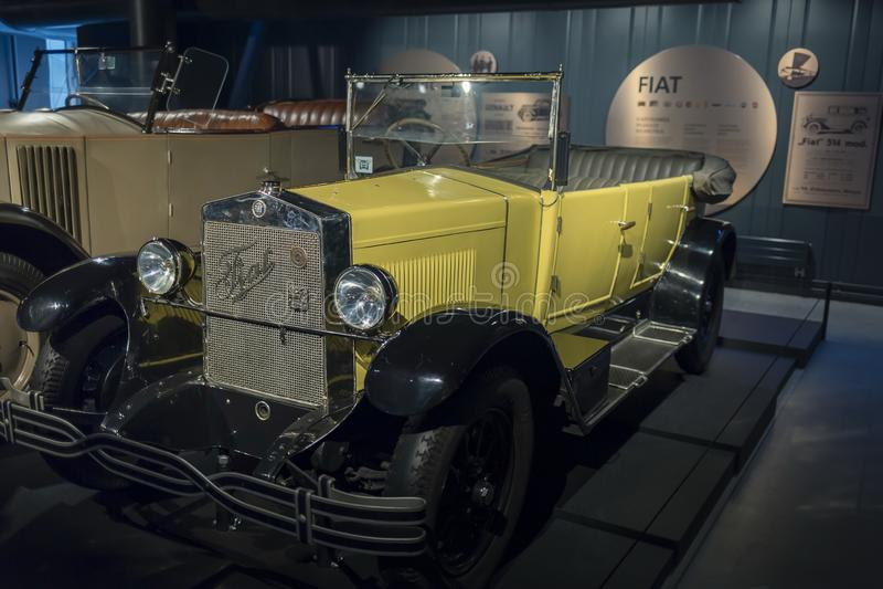 RIGA, LETTLAND 18. Februar 2019: Torpedo 1926 Fiats 503 im Riga-Bewegungsmuseum stockbild