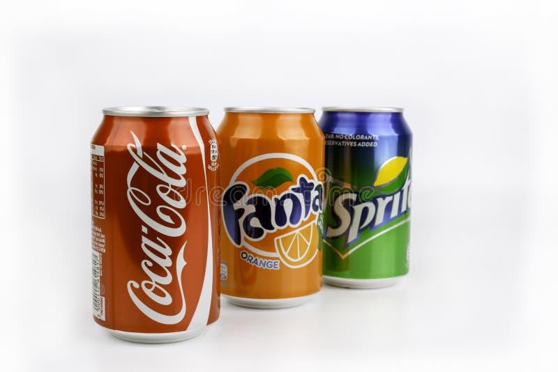 Riga, Lettland - 13. März 2016: Coca Cola, Fanta und Sprite können ist stockfotografie