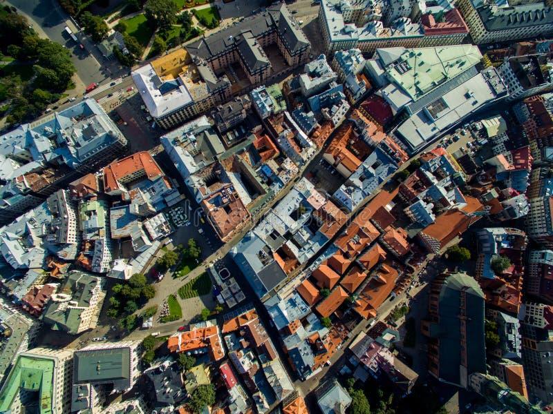 Riga, Lettland - September 2016: Vogelperspektive über oldtown lizenzfreie stockfotos